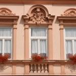 Beautiful old windows — Stock Photo #4495902