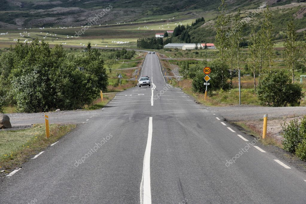 Straight road in Geysir, Iceland. Rural landscape. — Stock Photo #4519249