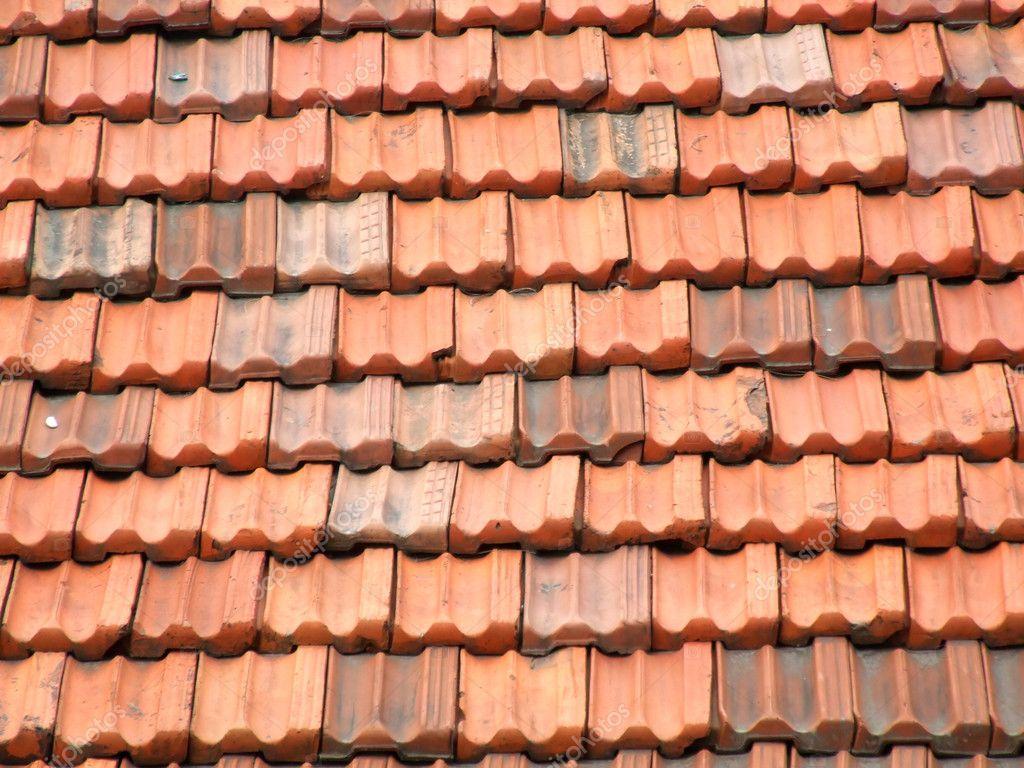 Ceramic roof tile