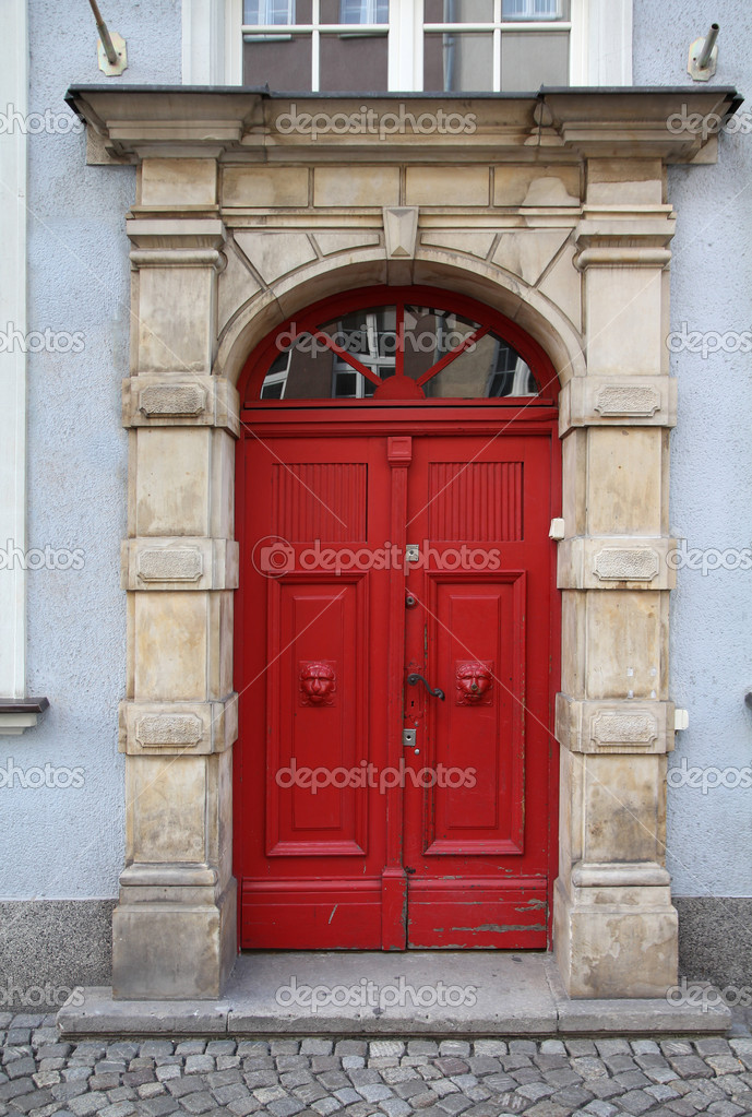 Poland - Gdansk city (also know nas Danzig) in Pomerania region. Old red door. — Stock Photo #4627944