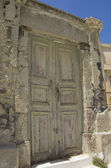 Old wooden grungy door — Stock Photo