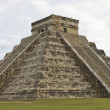 Pyramid Chichen Itza — Stock Photo #5350165
