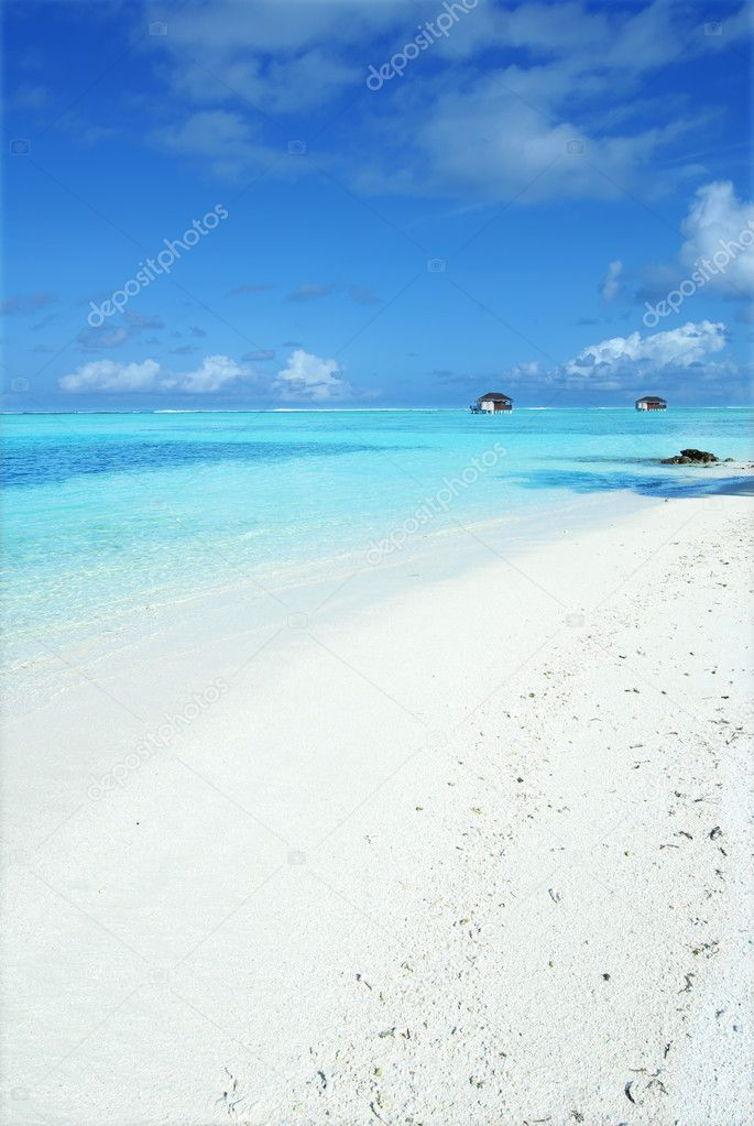 Maldives beautiful beach and blue sky — Stock Photo #4547923