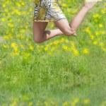 saltando con cappello — Foto Stock