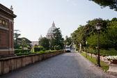 Walk in Vatican gardens — Stock Photo