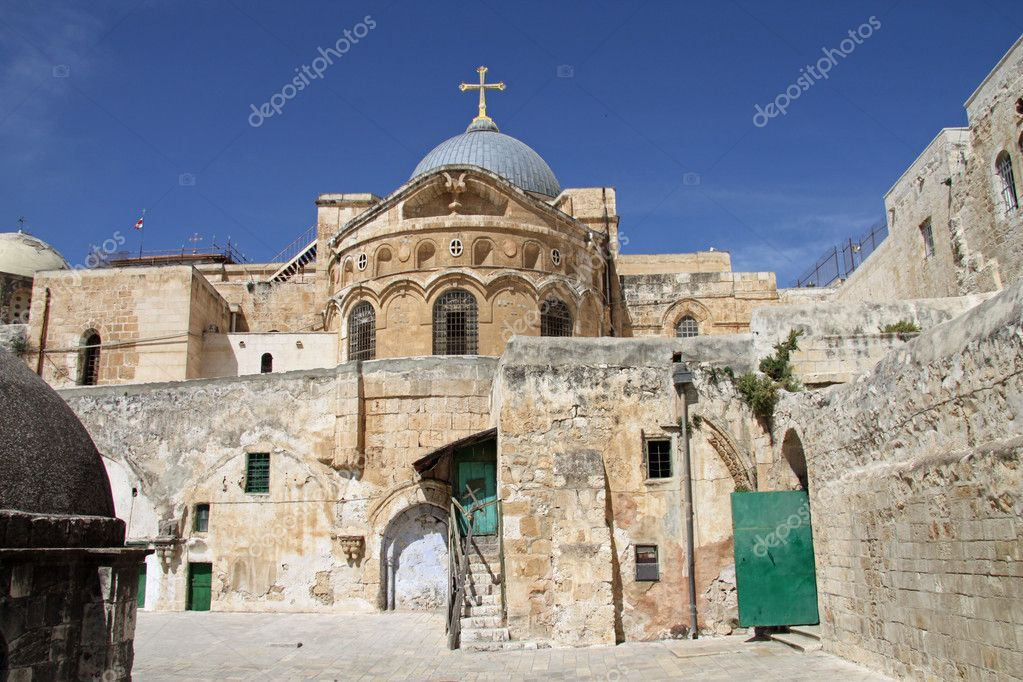 The Holy Sepulchre in Jerusalem, at the 9th Station of the Cross. This is the traditional site of both Jesus's crucifixion and burial — Stock Photo #4405859