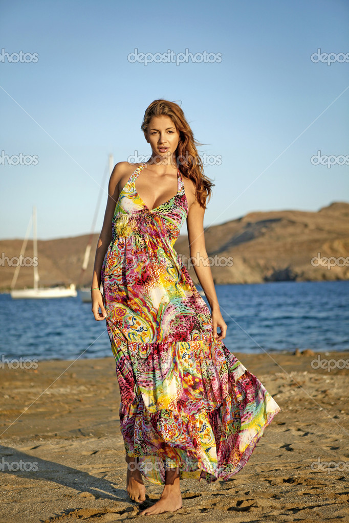 Goddess of the wind dance on the beach — Stock Photo #4832169