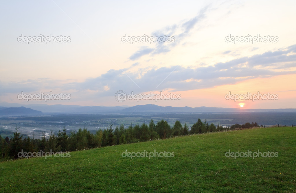 Pink sunset and countryside landscape — Stock Photo #4578017
