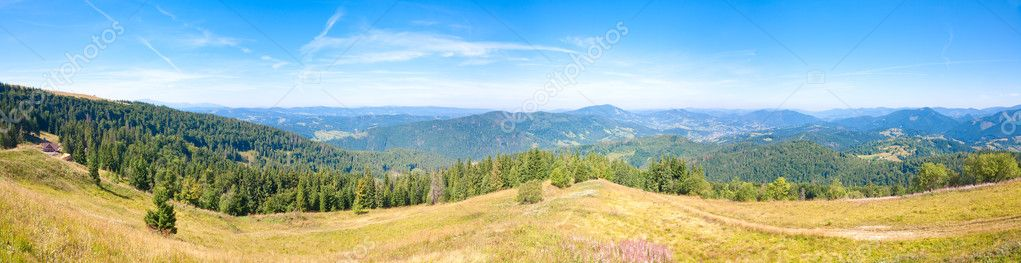 Summer mountain country panorama (Ukraine, Carpathian Mountains).  Four shots stitch image. — Stock Photo #4578077