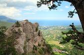 View of Yalta city from slope of Aj-Petri Mount (Ukraine) — Stock Photo