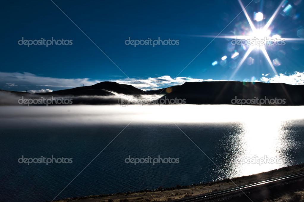 Fog creeping up on to  the mountains in the columbia river, view from wasington — Stock Photo #4577091