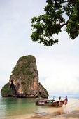 Thailand sea with sand rock and blue sky : Krabi — Stock Photo