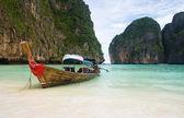 Fishing boat on Thailand beach — Stock Photo