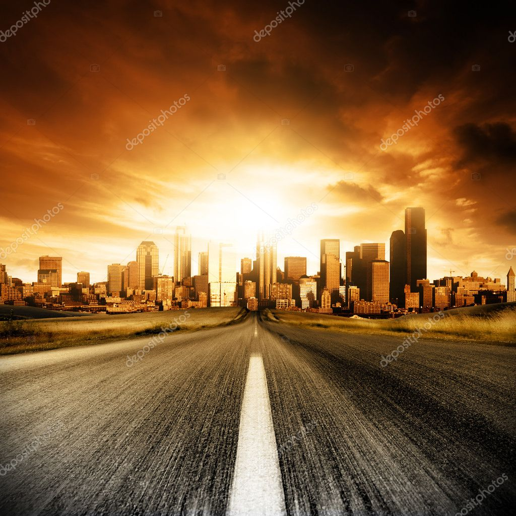 Motion blurred road heading into the city — Stock Photo #5203848