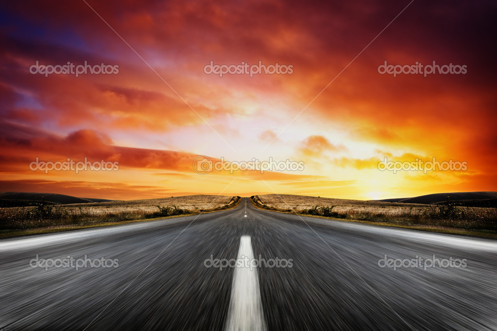 Road leading into a beautiful sunset — Stock Photo #5215813