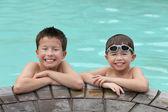 Presso la piscina — Foto Stock