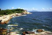 Rocha de paisagem e mar costeira em hong kong — Foto Stock