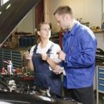 Female auto mechanic — Stock Photo