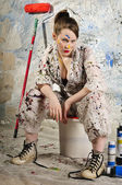 Attraktive Female artisan with paint roller — Stock Photo