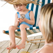 Beach - Mother with child with ice-cream cone — Stock Photo