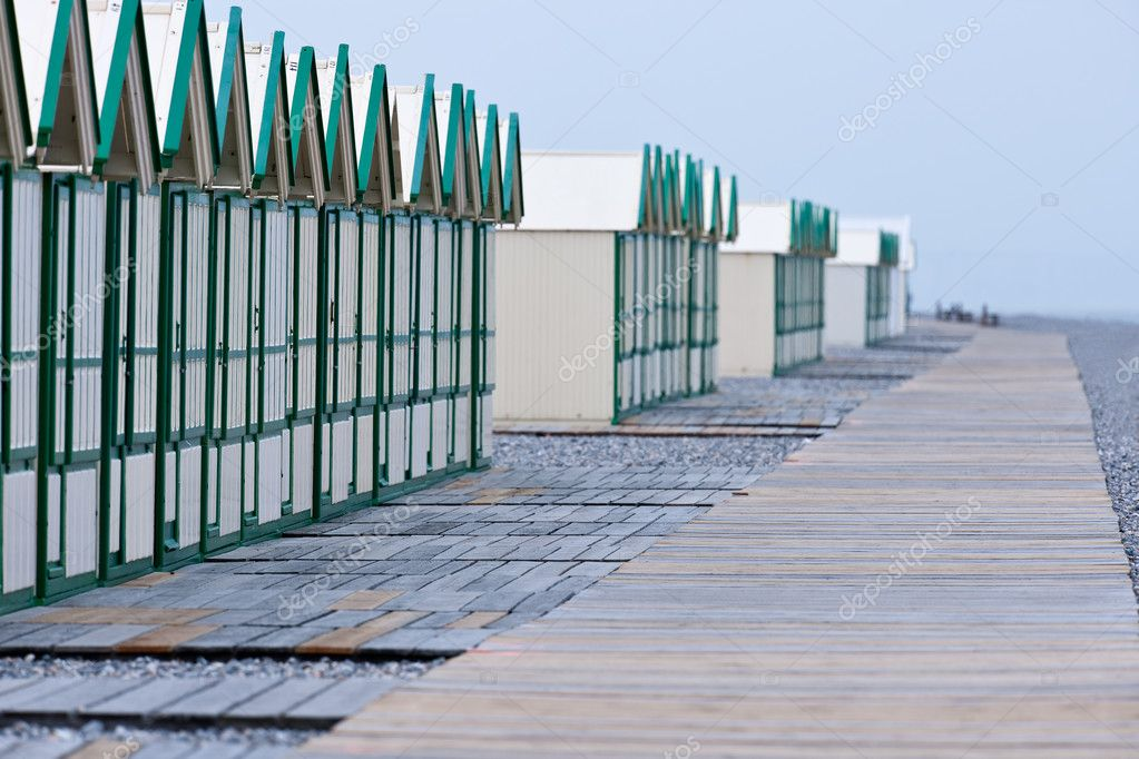 Row of beach huts before rain — Stock Photo #4684591