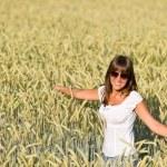 Happy woman in corn field enjoy sunset — Stock Photo #4692140