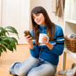 Teenager girl relax home - listen to music - Foto de Stock