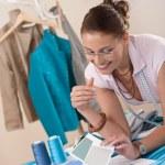 Female fashion designer working at studio — Stock Photo