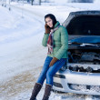 Winter car breakdown - woman call for help — ストック写真