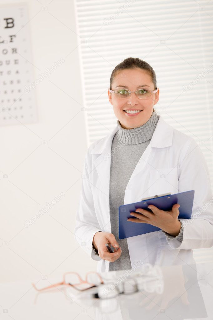Optician doctor woman with prescription glasses and eye chart — Stock Photo #5011391