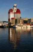 Moderno edificio en el puerto de goteborg — Foto de Stock