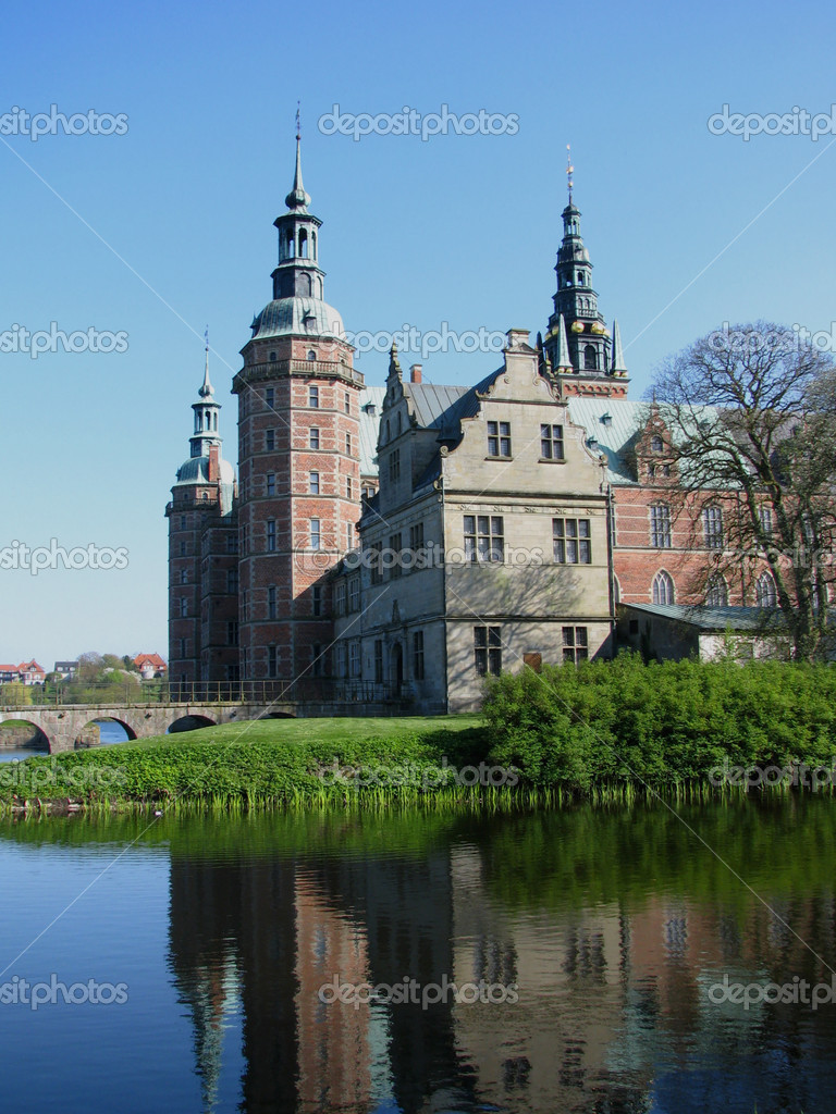 Frederiksborg castle in Hellerod, Denmark  — Stock Photo #5285159