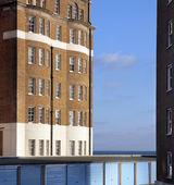 Apartments flats sea garage england — Stock Photo