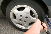 Inflate tyre car wheel — Stock Photo