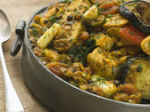 锡盘蔬菜 dhansak — 图库照片