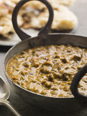 Kali Dahl Served in a Karahi With Naan Bread — Stock Photo