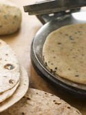 Chapatti Press with Chapatti Breads — Stock Photo