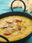 Karai Dish of Tarka Dhal with Naan Bread — Stock Photo
