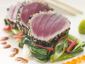 Seared Yellow Fin Tuna with Sesame Seeds Sweet Fried pac Choi an — Stock Photo
