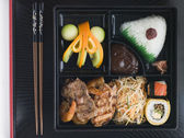Teppanyaki Lunchbox with Chopsticks — Stock Photo