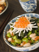 Broad Bean Daikon and Salmon Roe — 图库照片