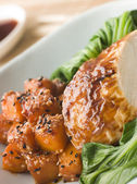 Sójové pražené kuře dušené pac choi s teriyaki pražené bu — Stock fotografie