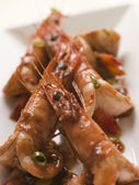 Butterflied Mediterranean Prawns with Chili Chocolate — Stock Photo