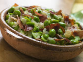 Baby Broad Beans and Ham- Jamon au Favas — Stock Photo