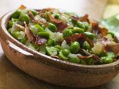 Baby bondbönor och skinka-jamon au kerstin — Stockfoto