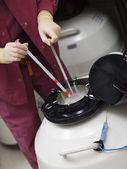 Embryologist freezing embryos for storage — Stock Photo
