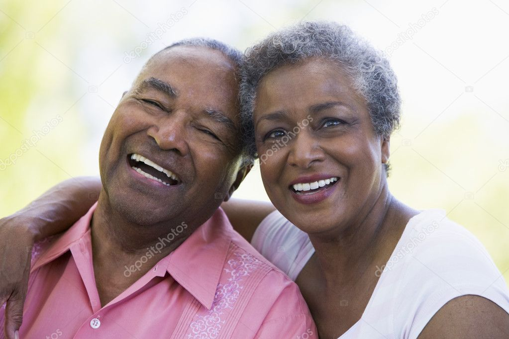 Romantic senior couple relaxing outside — Stock Photo #4753087
