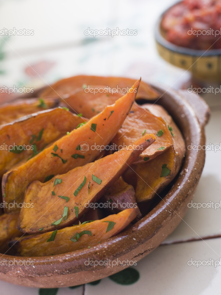 Sweet Potato Wedges with Tomato Salsa — Stock Photo #4754096