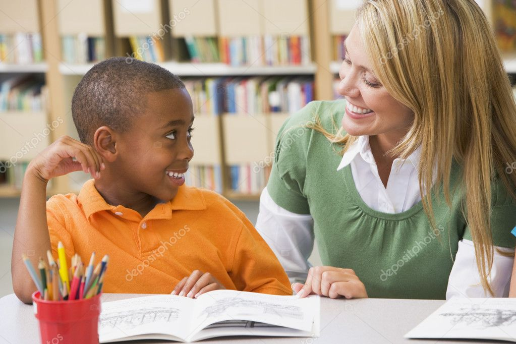 encourage reading among students essay