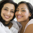 A Middle Eastern woman with her daughter-in-law — Stock Photo